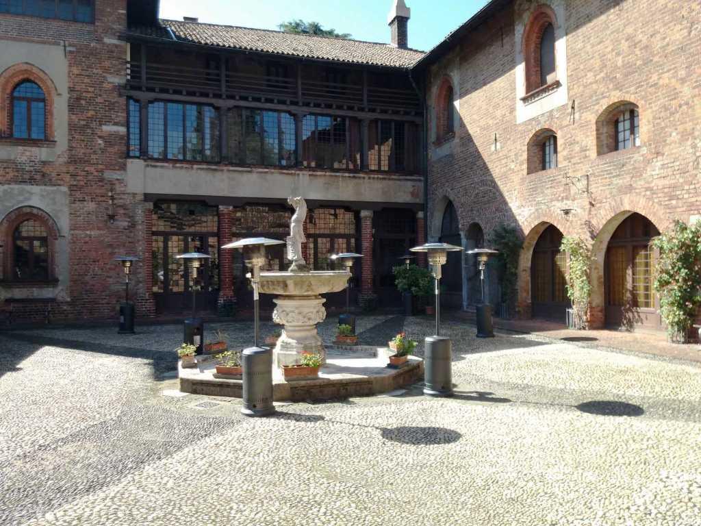 Funghi-villa-Mirabello-Milanoe-Gardone-Riviera1